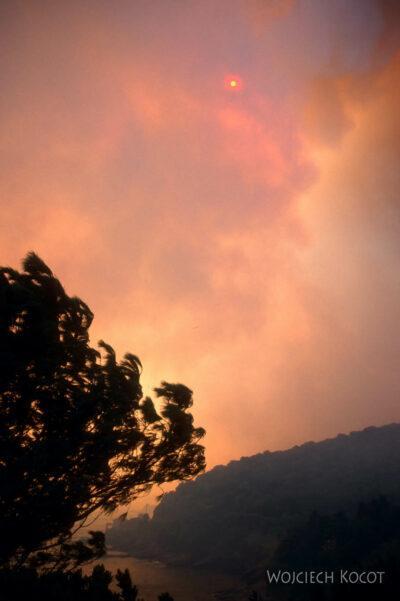 023 - Słońce zasłonięte dymem