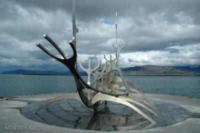 10041 - Reykjavik - pomnil - łódź