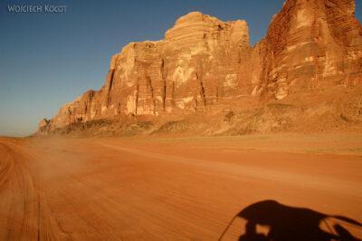 02106 - Przezpustynię Wadi Rum