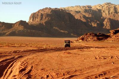 02115 - Przezpustynię Wadi Rum