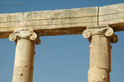 03122 - Jeresh - kolumny jońskie