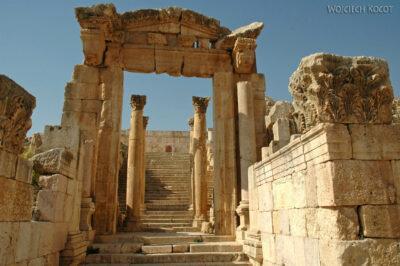 03137 - Schody doświątyni Artemidy