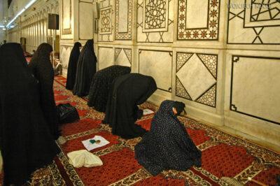 4027 - Tu się modlą kobiety