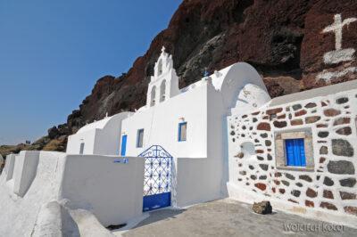 08038 - Kościółek przy czerwonej plaży