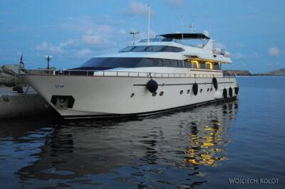 09036 - Foleg - jacht motorowy