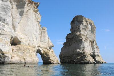 10065 - Milos - przy jaskiniach