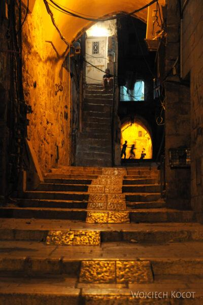 139 - Uliczki Old City nocą