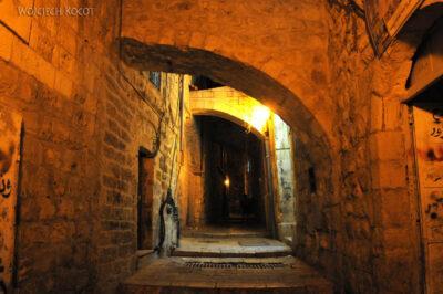 141 - Uliczki Old City nocą