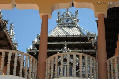 B087 - Hunedoara - cygańskie pałace