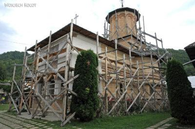 F009 - Manastirea Polovragi
