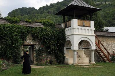 F054 - Manastirea Polovragi