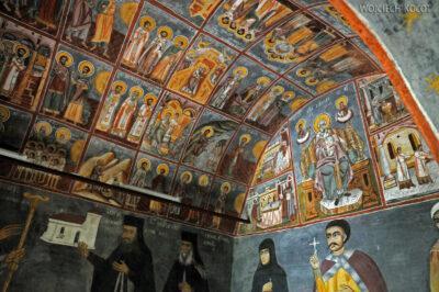 F061 - Manastirea Polovragi