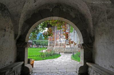 M100 - Manastirea Vatra Moldovitei