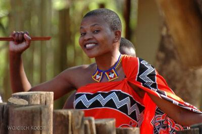 SA06122-Wioska Swazi-taniec iportrety