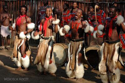 SA06153-Wioska Swazi-taniec iportrety