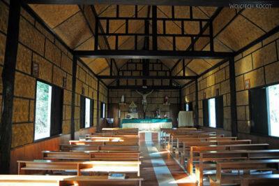 W wiosce Długich Szyj-Baan Tong Luang - Kościół