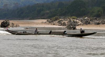 2L1031-Długie łodzie Mekongu