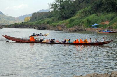 2L1035-Długie łodzie Mekongu