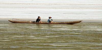 2L1174-Długie łodzie Mekongu