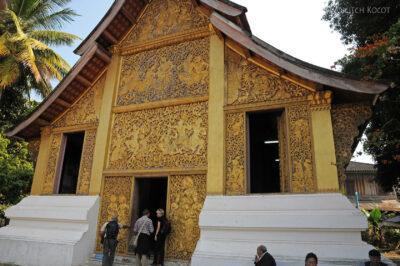 2L2063-Wat Xieng Thong - Bud.z Rydwanem Pogrzebowym