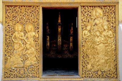 2L2066-Wat Xieng Thong - Bud.z Rydwanem Pogrzebowym