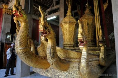 2L2067-Wat Xieng Thong - Bud.z Rydwanem Pogrzebowym