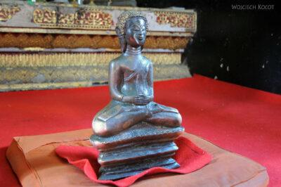 2L2094-Wat Xieng Thong -Bud. zpodnoszonym Buddą