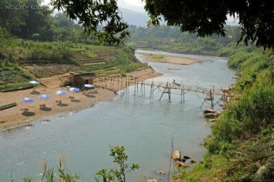 2L2120-Nad dopływem Mekongu