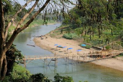2L2124-Nad dopływem Mekongu