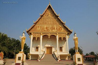 2L4020-Świątynia obok Phra That Luang