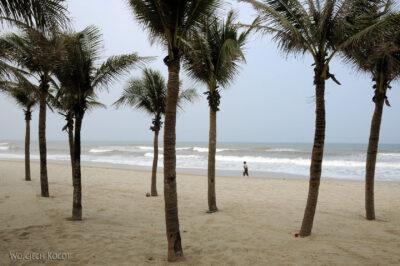 3W5075-Na plaży wHoi An