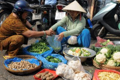 3W7130-Sajgon - Binh Tay Market