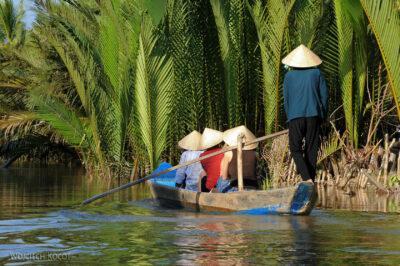 3W8142-Delta Mekongu - rejs czółnem