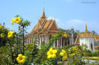 4K1070-Srebrna Pagoda