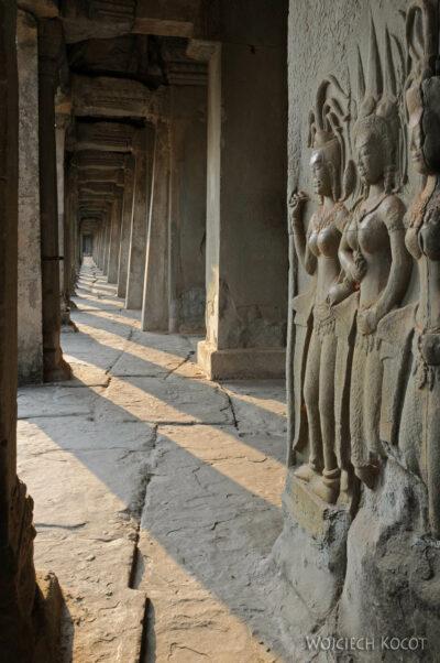 4K3435-Angkor Wat