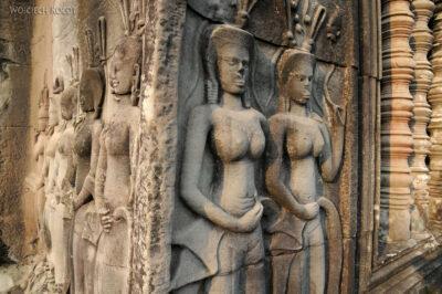 4K3444-Angkor Wat