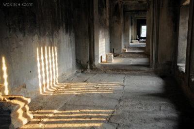 4K3457-Angkor Wat