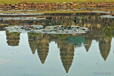 4K3482-Angkor Wat