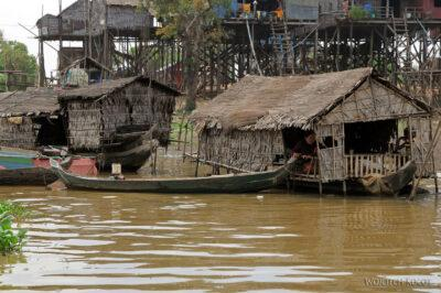 4K4080-Boeng Tonle Sab - Wioska naPalach