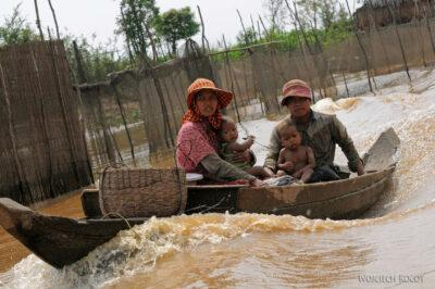 4K4172-Życie naBoeng Tonle Sab