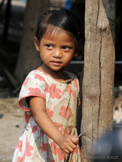 4K4274-Dzieci Boeng Tonle Sab