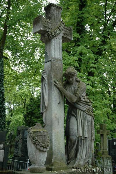 U12010-Na Cmentarzu Łyczakowskim