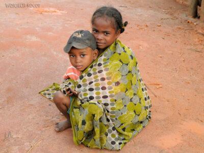 Ma07002-Dzieciaki wBongabe