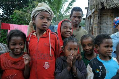 Ma07011-Folm-Dzieciaki wBongabe