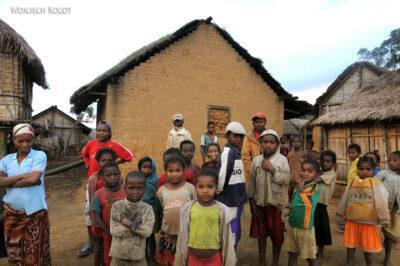 Ma08131-Manambato-Dom gliniany