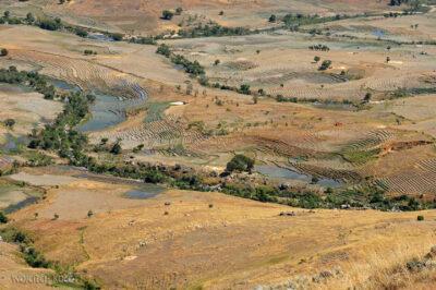Ma23028-Dolina zpolami ryżowymi