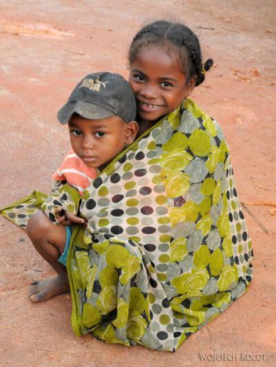 Ma07018-Dzieciaki wBongabe