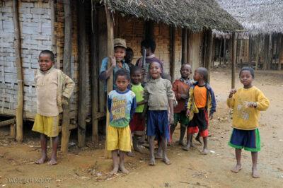 Ma09008-Mieszkańcy Manambato
