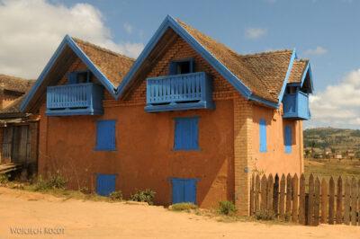 Ma20035-Murowane domy podrodze