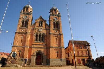 Ma20108-Starówka Fianarantsoa - kościół